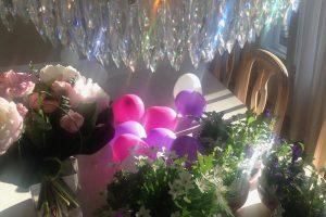 Kolme sukupolvea syntymäpäivillä -  todellinen juhlahetki