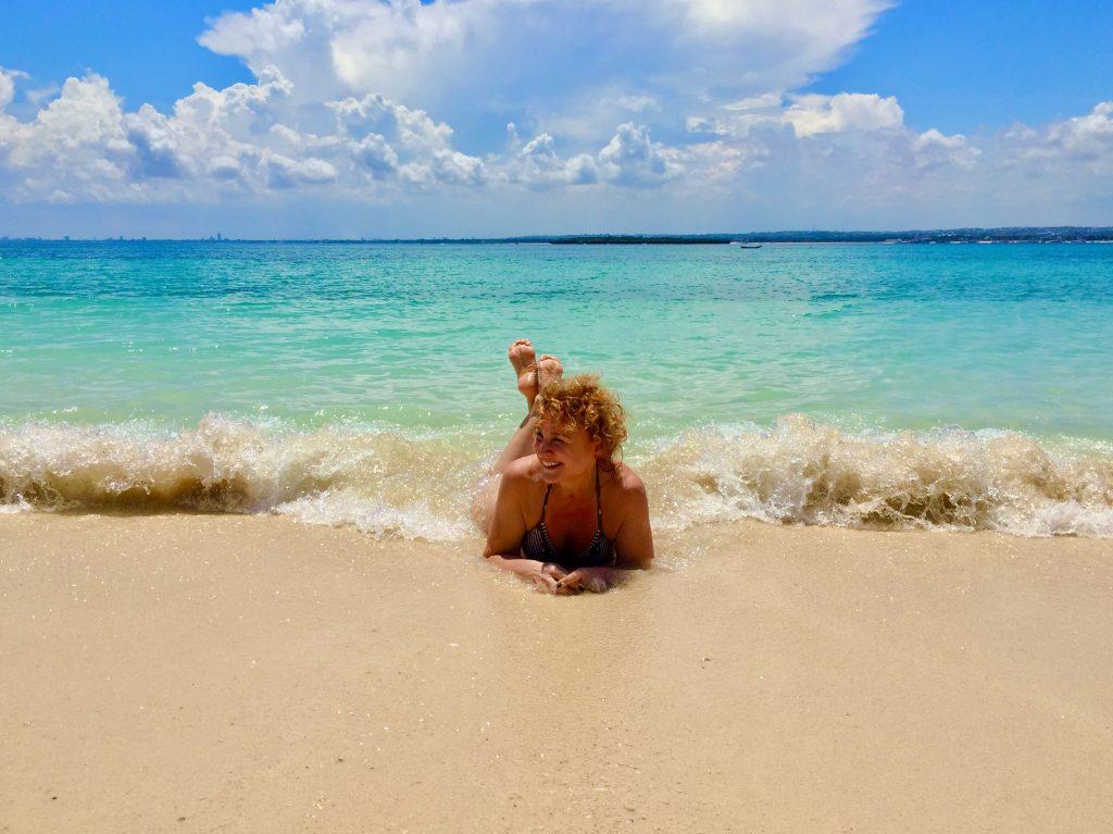 Kauniilla rannalla Afrikassa.