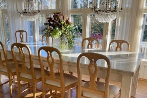 Uudistin upeasti meidän vanhan ruokapöydän Carraran marmorilla